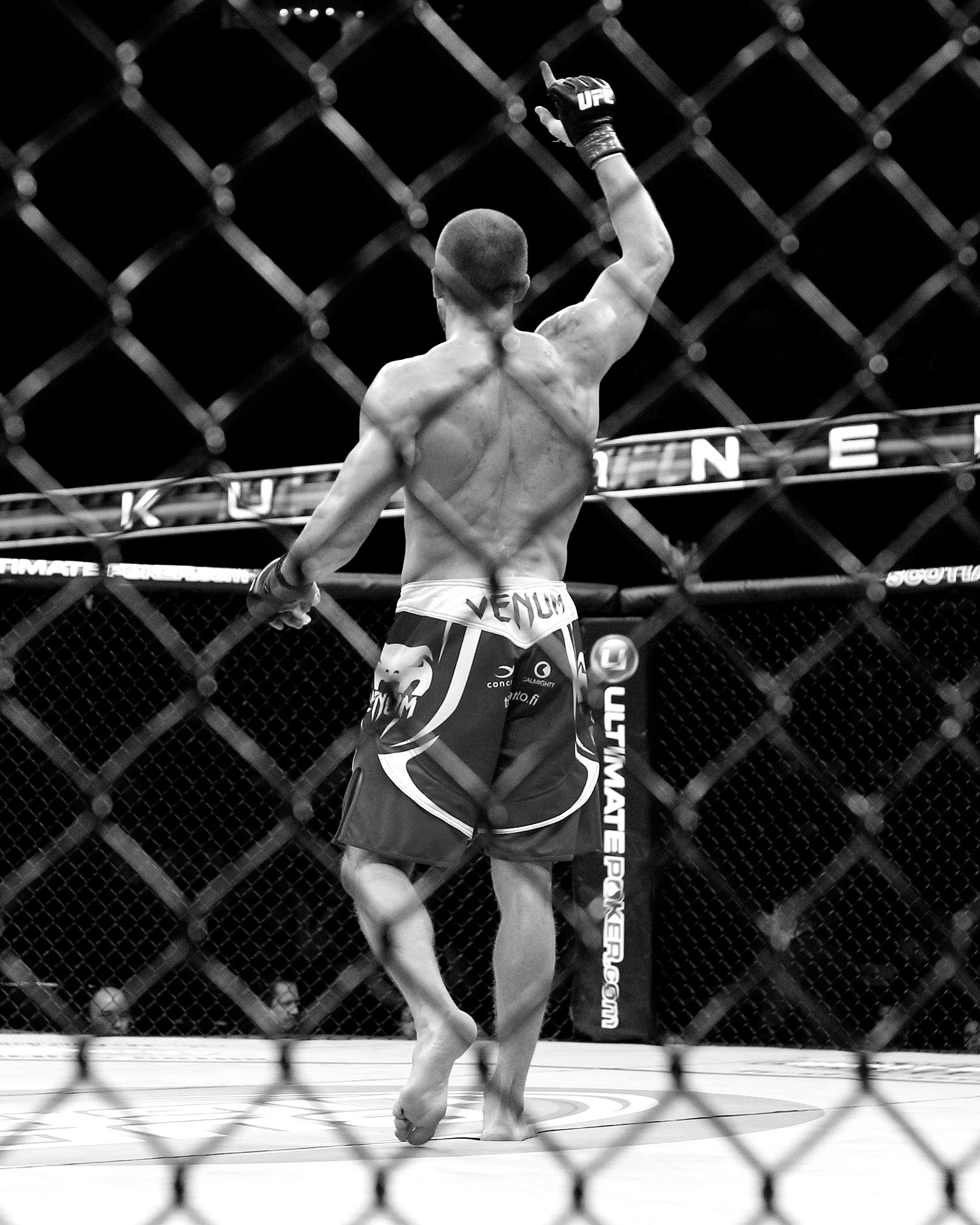 Mitch Clarke vs. Anton Kuivanen