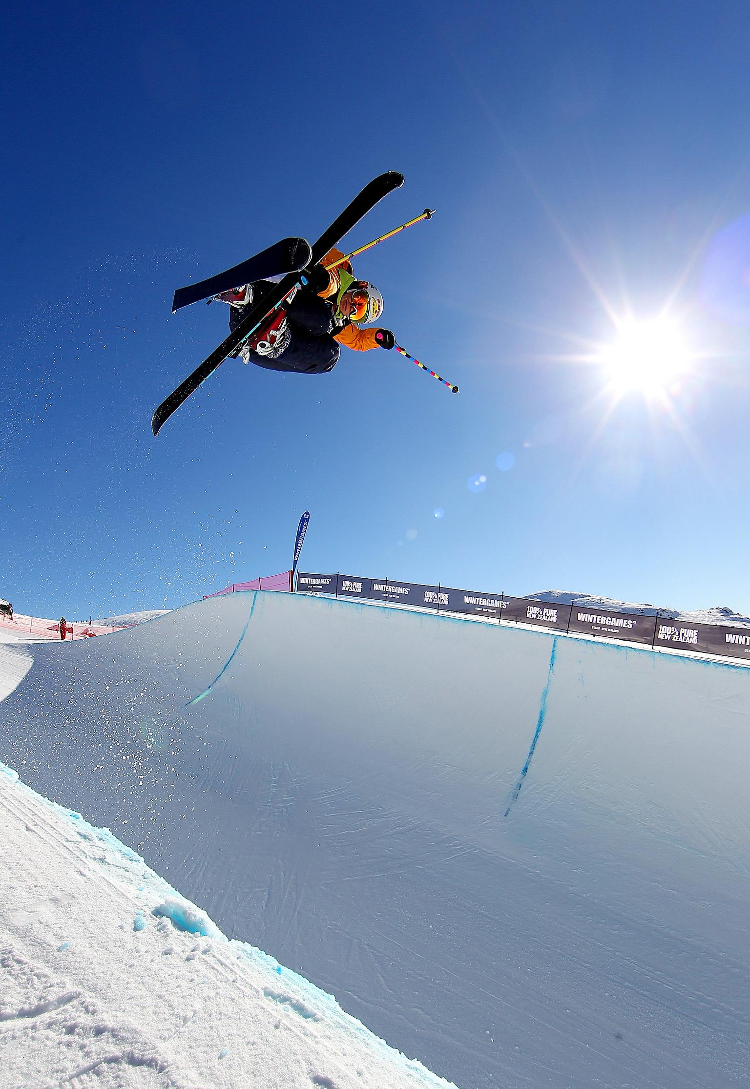 Freestyle Ski Halfpipe