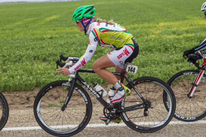 Leah Guloien originally began her cycling career in mountain biking, but later made the switch to road racing.