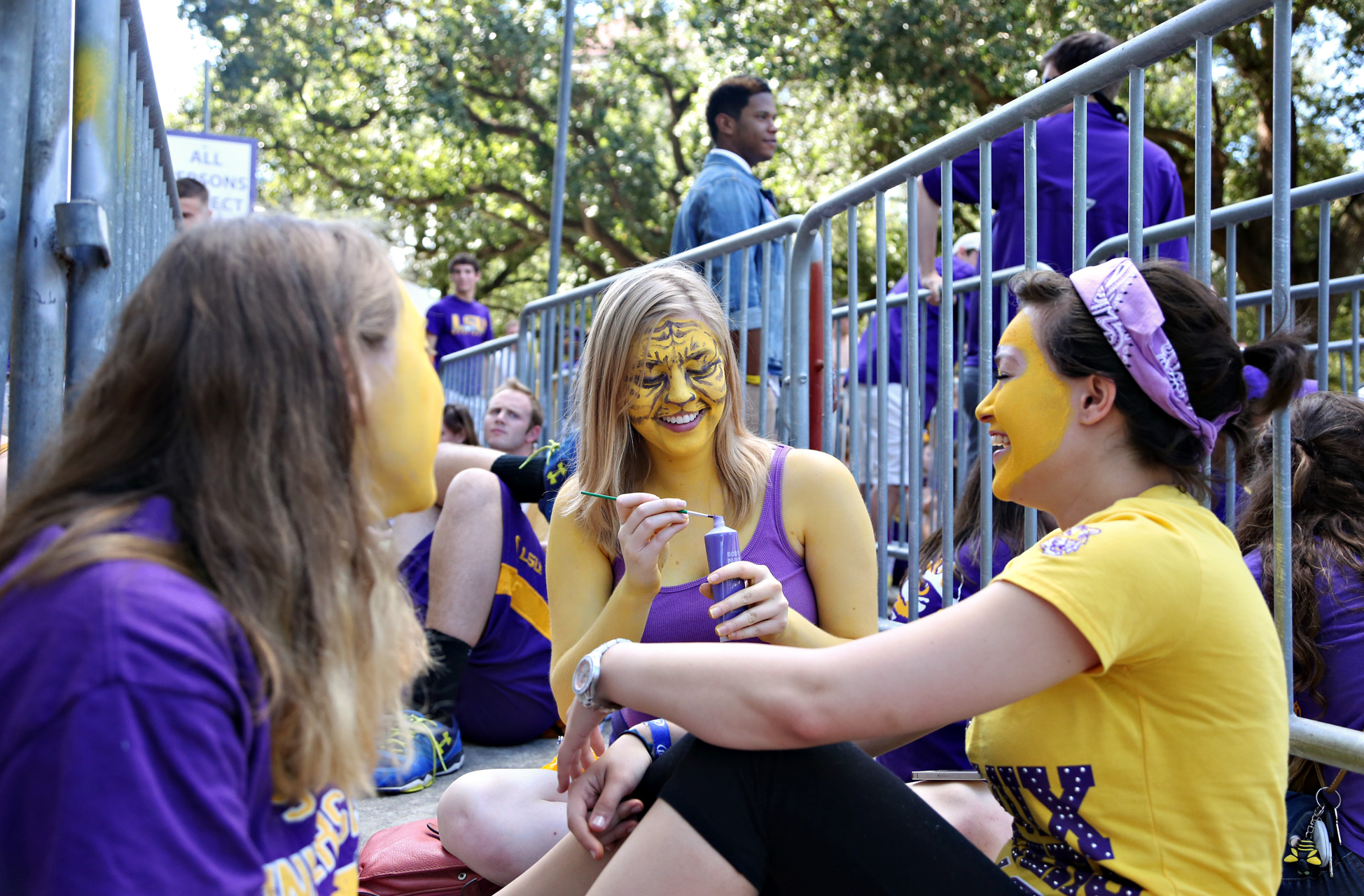 LSU Students Tiger Face