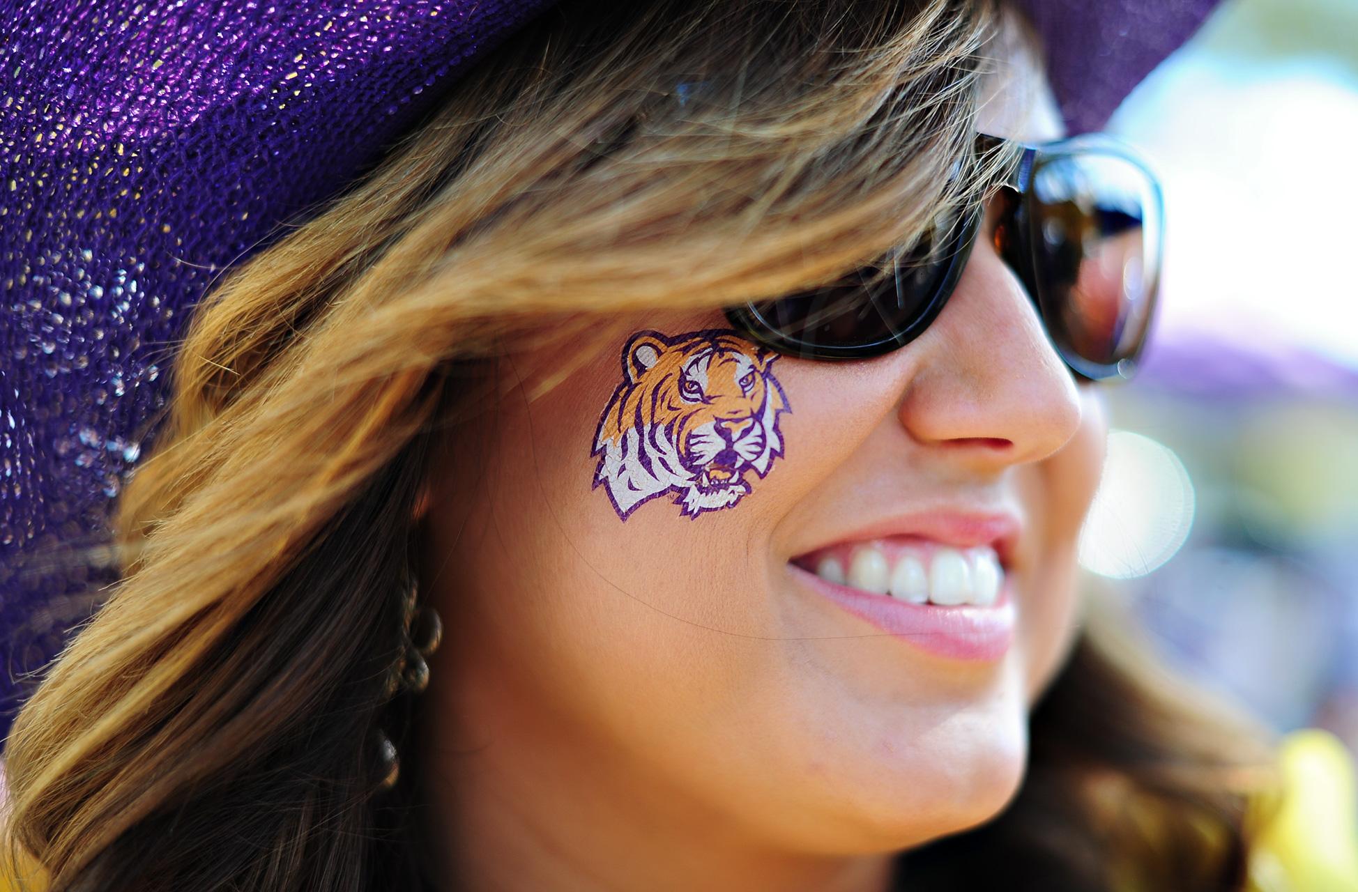 Tiger Cheek Close Up