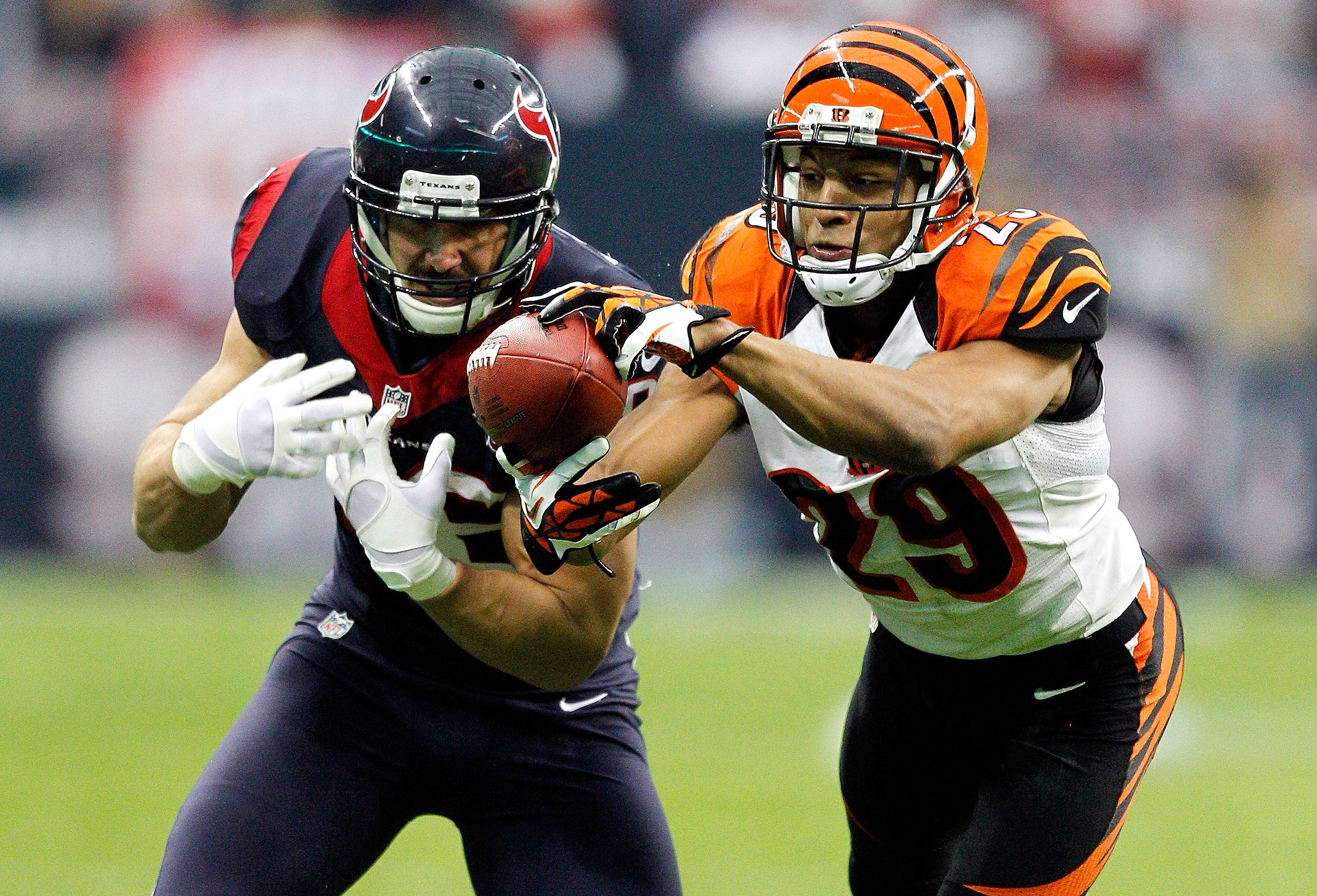 bengals news cb leon hall rt andre smith sit out monday