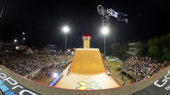 Zack Warden soared to his first X Games gold with a nearly flawless original double-flip combo.
