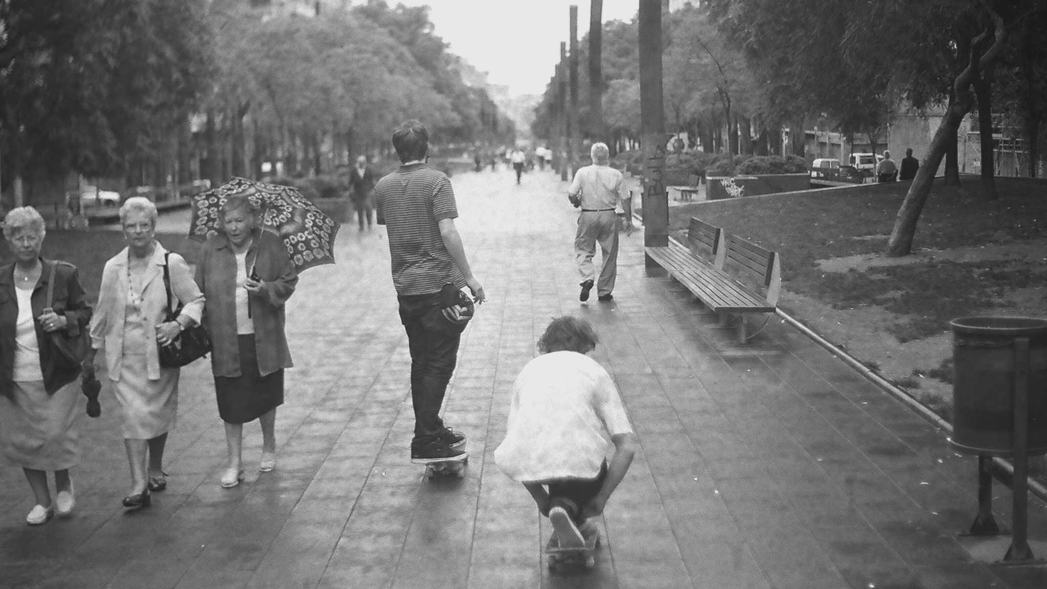 With so many sights to see on the streets of Barcelona, getting around by skateboard is the optimal mode of transit.