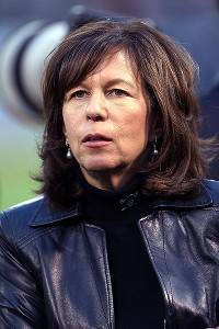 Amy Trask, one of the highest-ranking women in American professional sports, had been with the Raiders for 25 seasons.