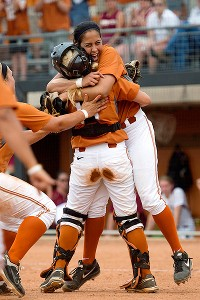 Blaire Luna's no-hitter against Florida State sent Texas to the WCWS.