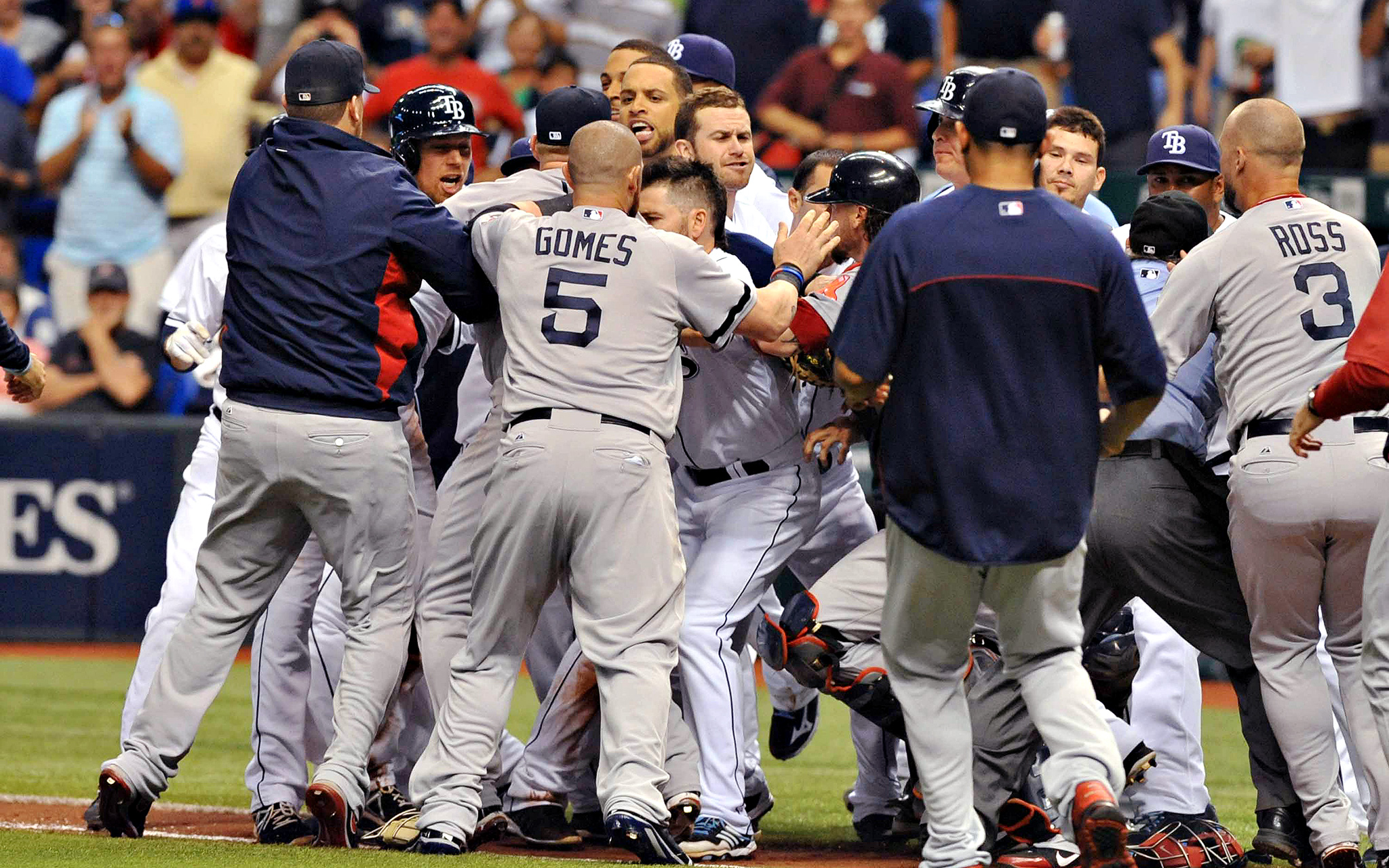 Benches clear in win over Rays