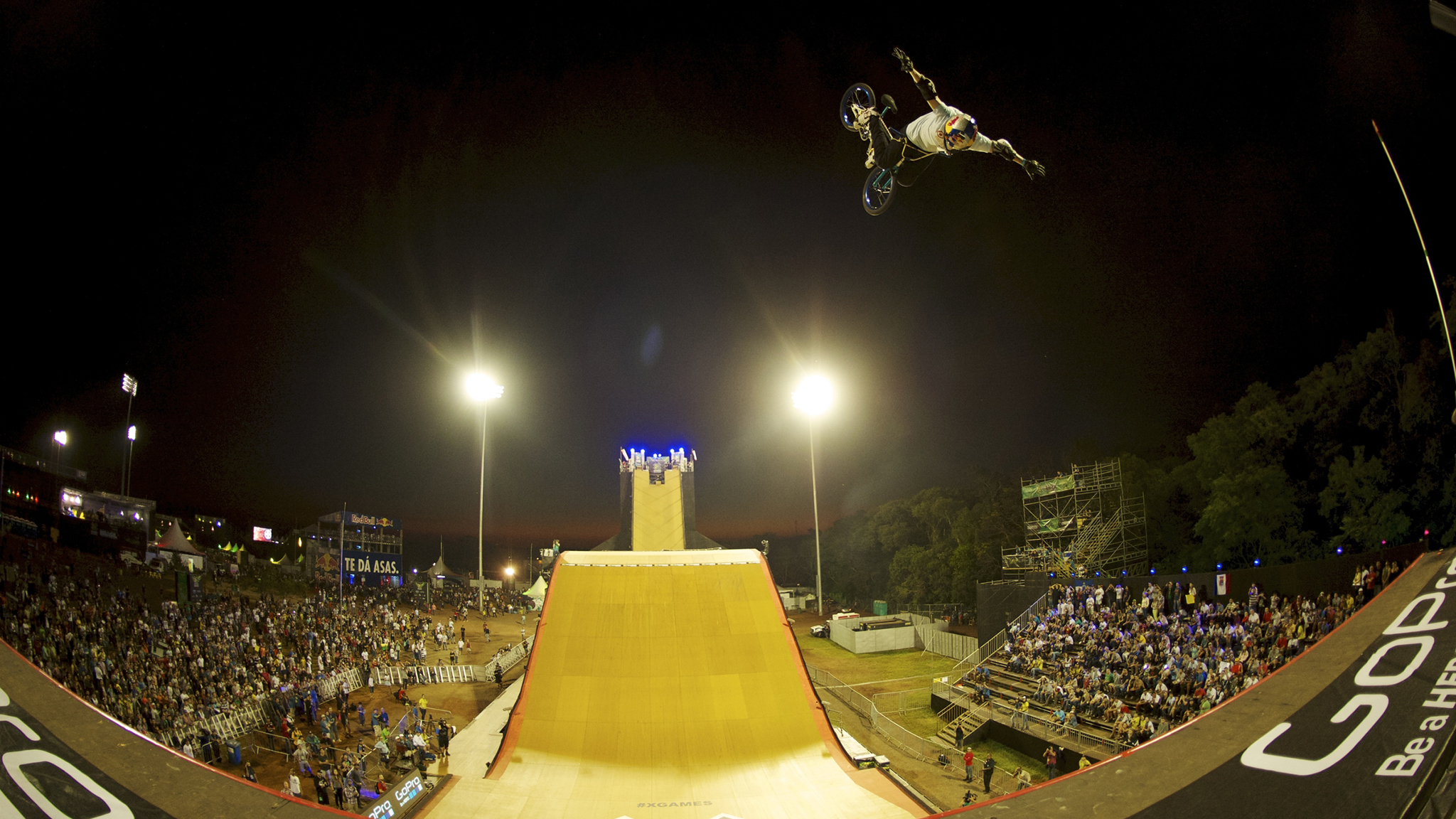 No-handed flair, X Games Foz do Iguau