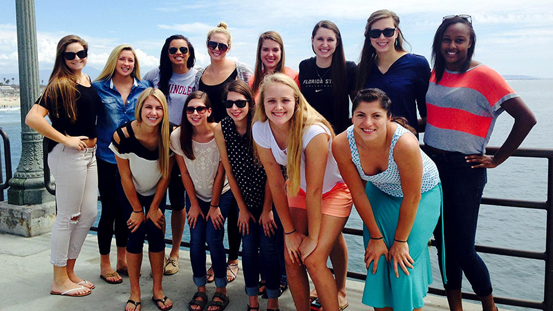 The FSU volleyball team took a short trip to Huntington Beach, had lunch, walked the pier -- then beat Long Beach State that night.