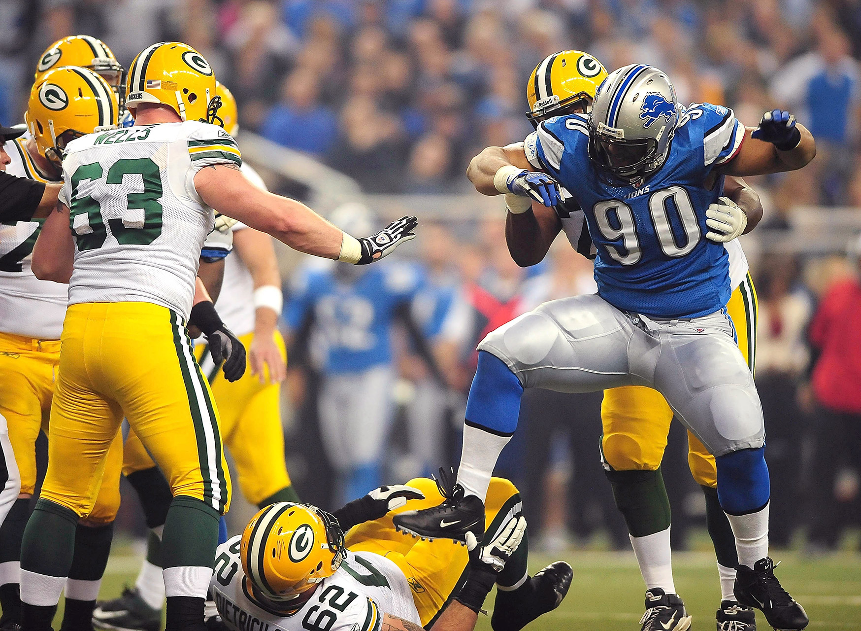 Ndamukong Suh and Evan Dietrich-Smith