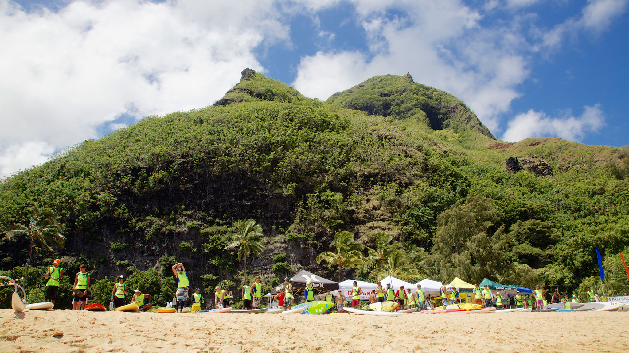 Racers prepare for an arduous -- and beautiful -- 17-mile stand-up paddleboard adventure along the Na Pali coast of Hawaii.