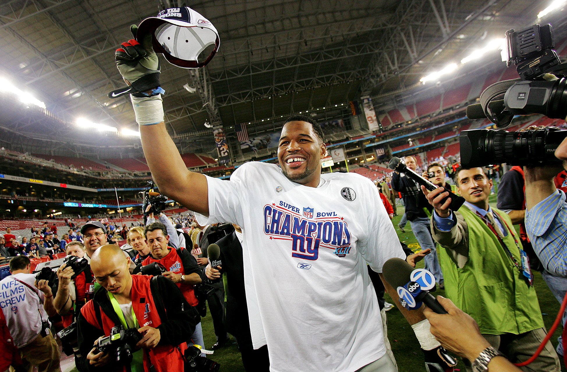 Michael Strahan walked out a winner: a 17-14 upset of the Patriots in Super Bowl XLII was his final game.