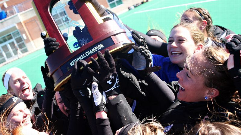 Players from Bowdoin celebrated with the trophy after defeating Salisbury 1-0 in the Division III title game.