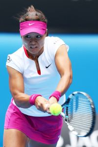 Li Na needed just 67 minutes to advance to the semifinals.