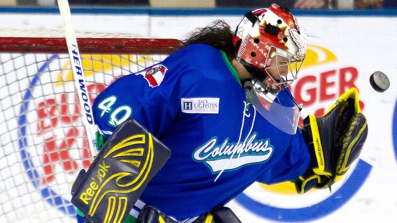 Goalie Shannon Szabados made her debut with the Columbus Cottonmouths on March 15.