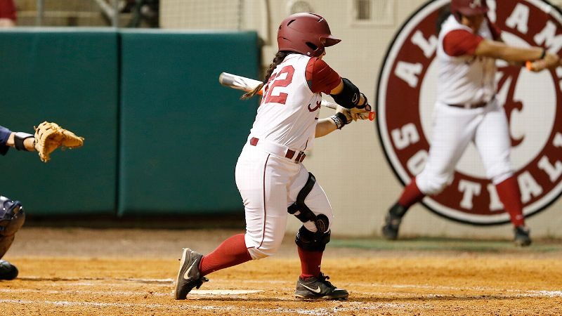 Alabama senior Ryan Iamurri, who tore her ACL and PCL and sprained her MCL on March 12, returned to the lineup as a pinch hitter this past Wednesday against South Alabama.