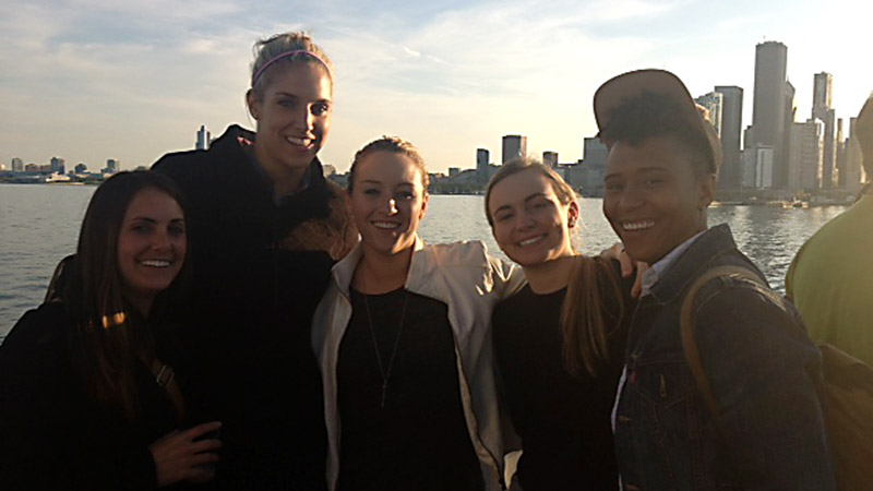 Sky star Elena Delle Donne and some friends took a boat cruise this week to explore Chicago from the water.