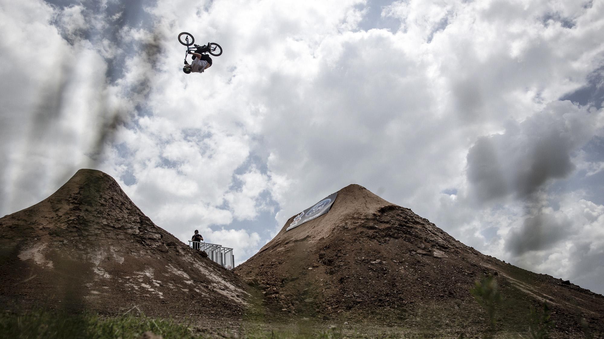 Kyle Baldock vence o BMX Dirt