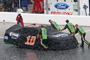 Danica Patrick's car and crew called it a day as rain put an early stop to Sunday's Coke Zero 400.