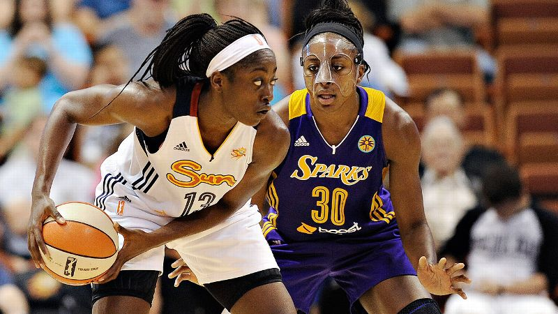 Nneka Ogwumike's Sparks beat Chiney Ogwumike's Sun 90-64 on July 13 at Mohegan Sun.