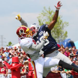 New England cornerback Brandon Browner defends Cody Hoffman during a joint practice at Redskins camp.