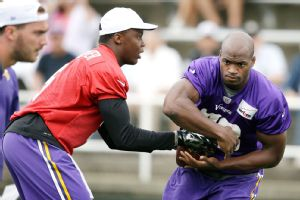 The presence of Adrian Peterson could make it easier for the Vikings to hand the reins over to Teddy Bridgewater.