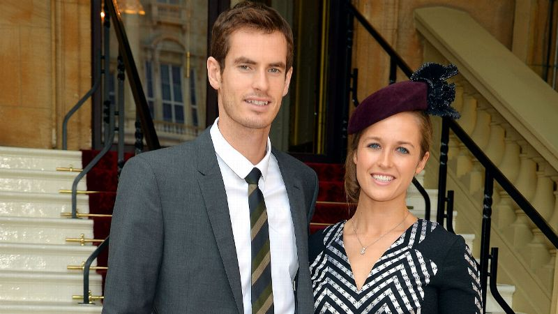 Andy Murray poses with Kim Sears