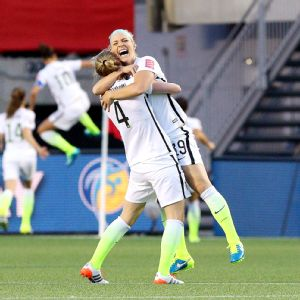 Becky Sauerbrunn, Julie Johnston