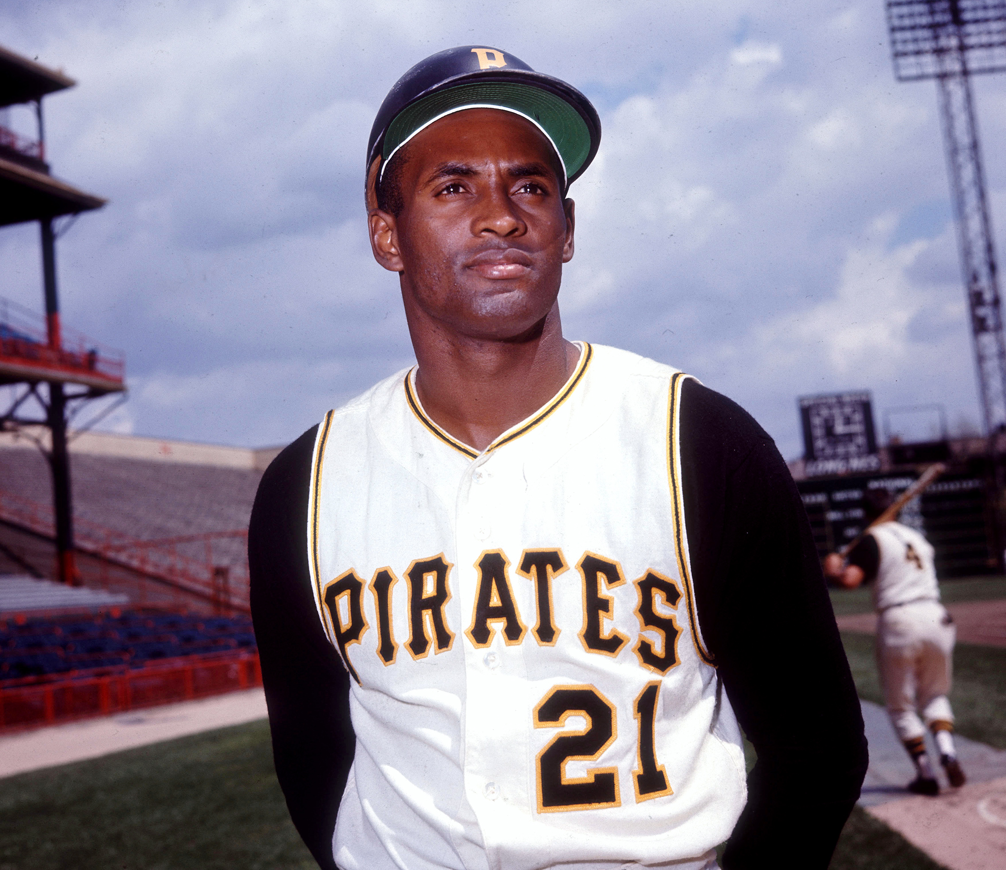 a biography of roberto clemente the baseball player Roberto clemente was both a remarkable ballplayer and genuine folk hero  on  september 30, 1972, clemente stroked a double off of mets pitcher jon matlack  to reach  the puerto rican all-stars in the amateur baseball world series  i' m doing a history project based on roberto clemente, and i just.