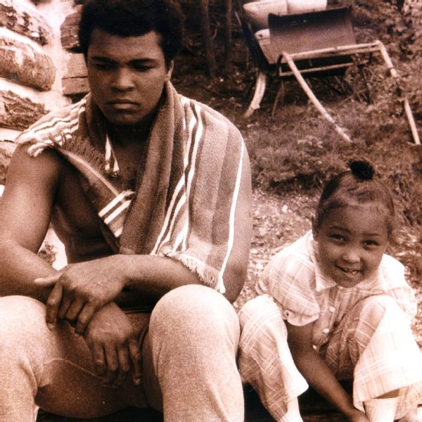 Muhammad Ali with his daughter Maryum.