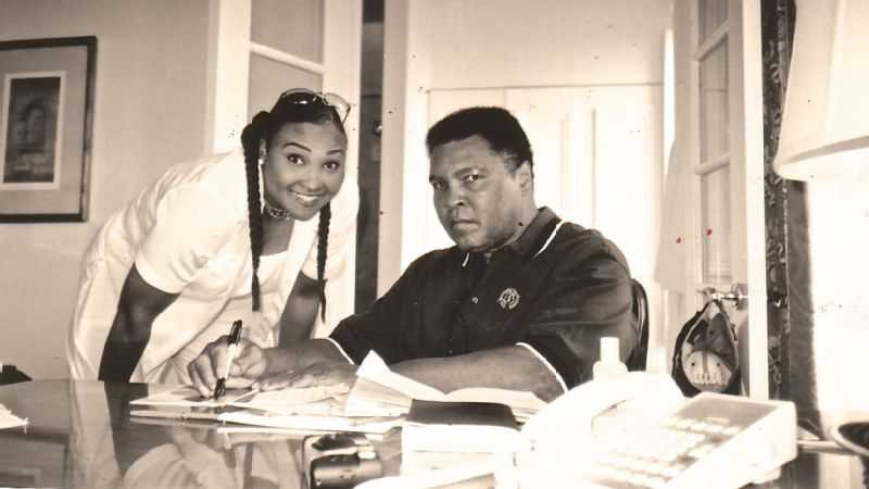 Maryum with her father Muhammad Ali.