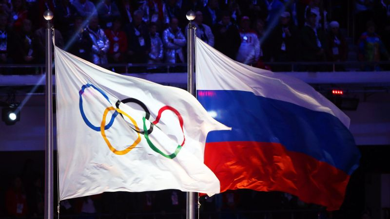 A group of 17 anti-doping officials has said it wants the Russian Olympic Committee banned from the upcoming Winter Games.