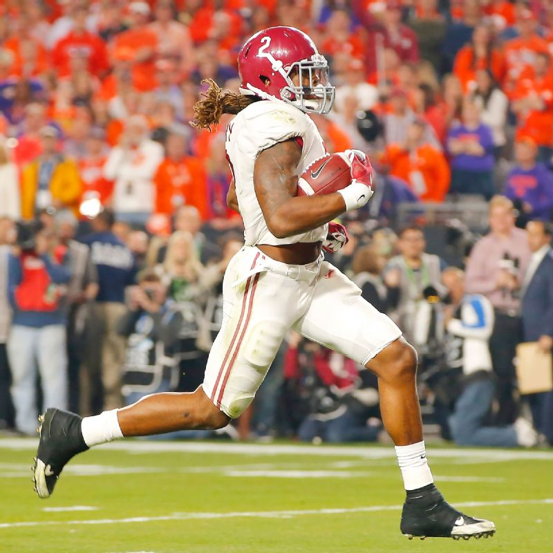 Derrick Henry of the Alabama Crimson Tide runs for a 50 yard touchdown in the first quarter against the Clemson Tigers during the 2016 College Football Playoff National Championship Game.