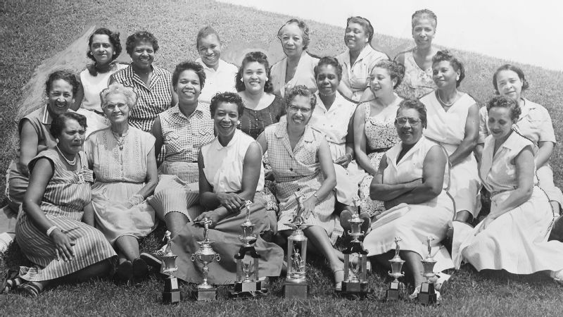 Women of Wake Robin Golf course
