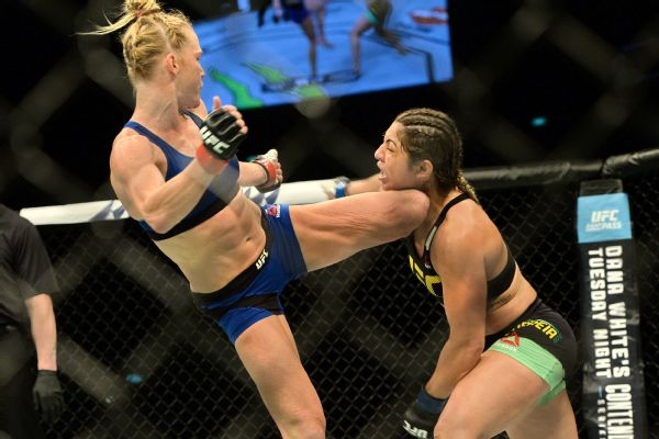 Holly Holm defeated Bethe Correia by KO in the third round in June to pick up her first win since 2015.