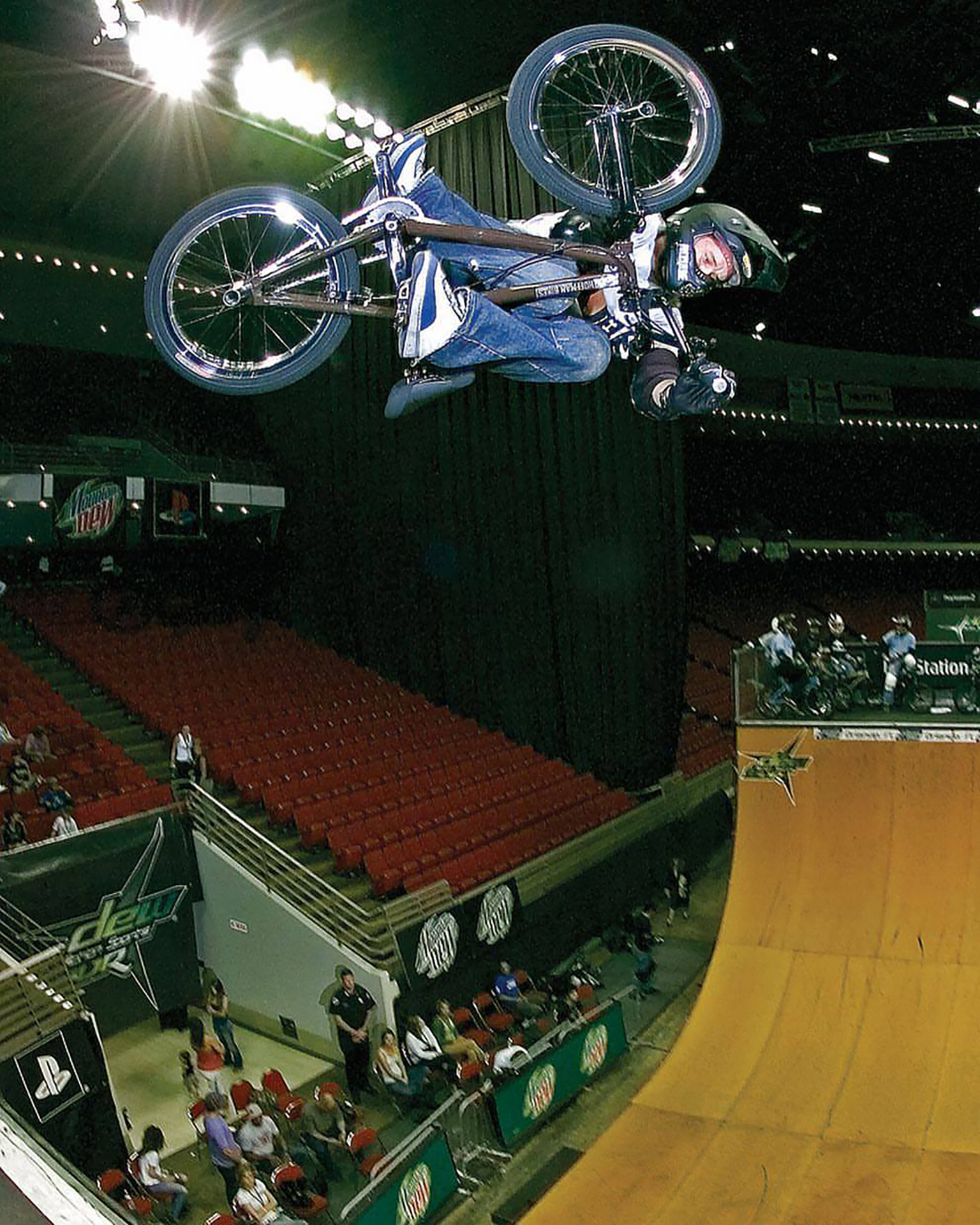 Jim Burgess, invert on the Dew Tour, 2006.