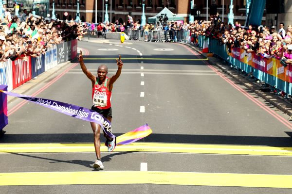 Geoffrey Kirui pulled away to win world championships gold in the men's marathon Sunday.