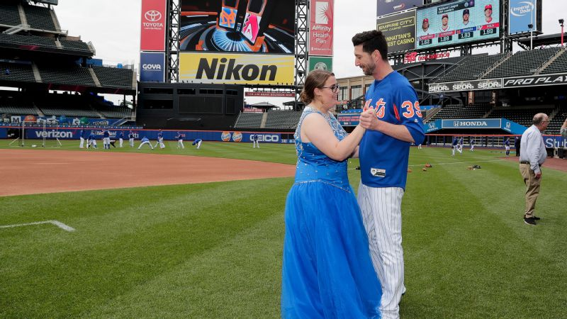 The Mets told Callie Quinn she needed 500,000 retweets to take her prom photos at Citi Field. They even said she could meet some of the players. Jerry Blevins gave her a dance.