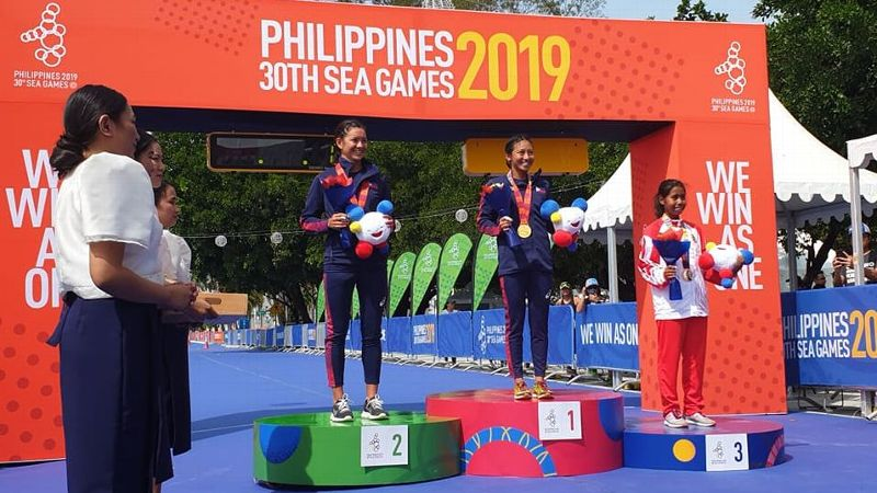 Kim Mangrobang and Kim Kilgroe won gold and silver, respectively, in the 30th Southeast Asian Games women's triathlon event on December 1, 2019 in Subic.