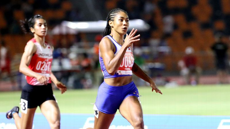 Kristina Knott set a new Southeast Asian Games record in the women's 200-meter dash.