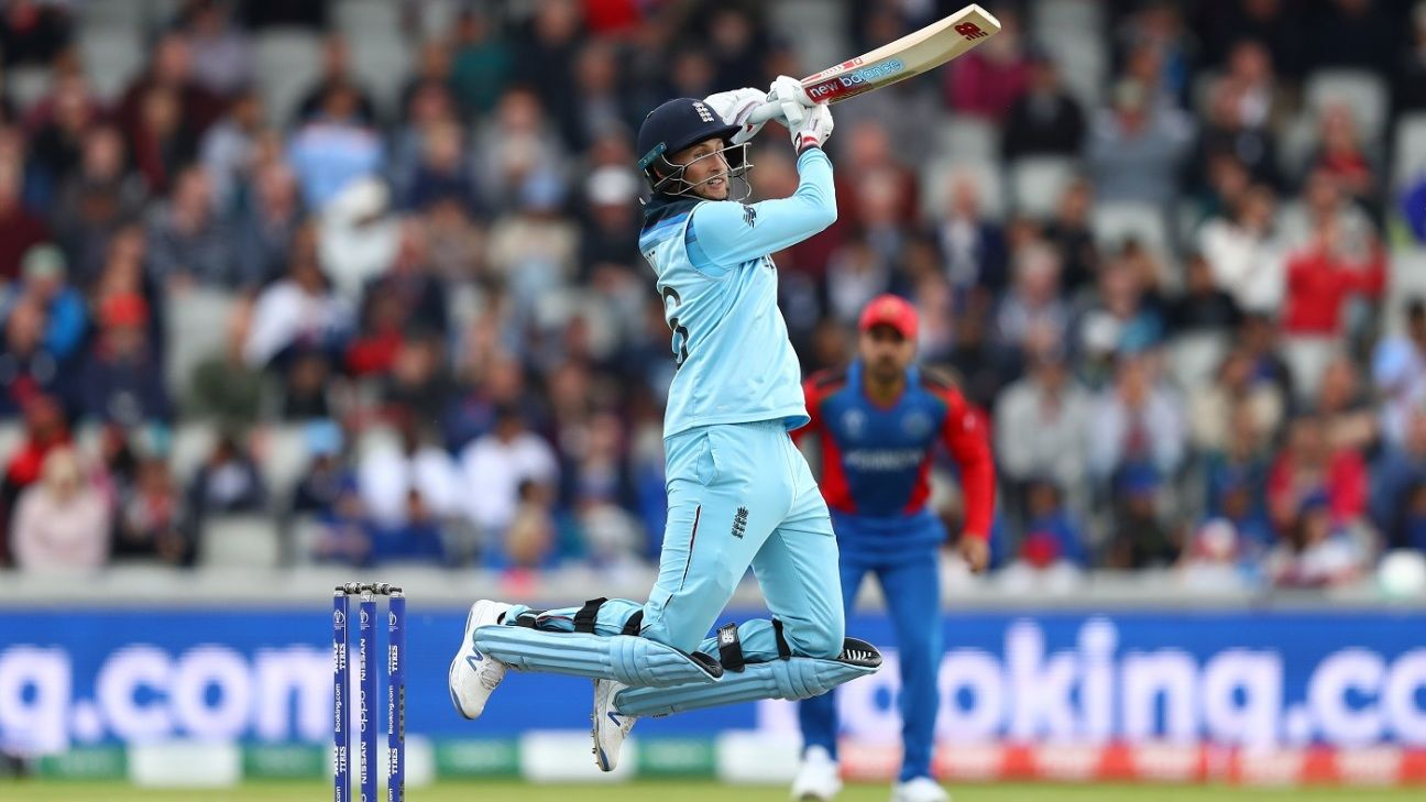 Joe Root plays it straight to keep England steady in the fast lane
