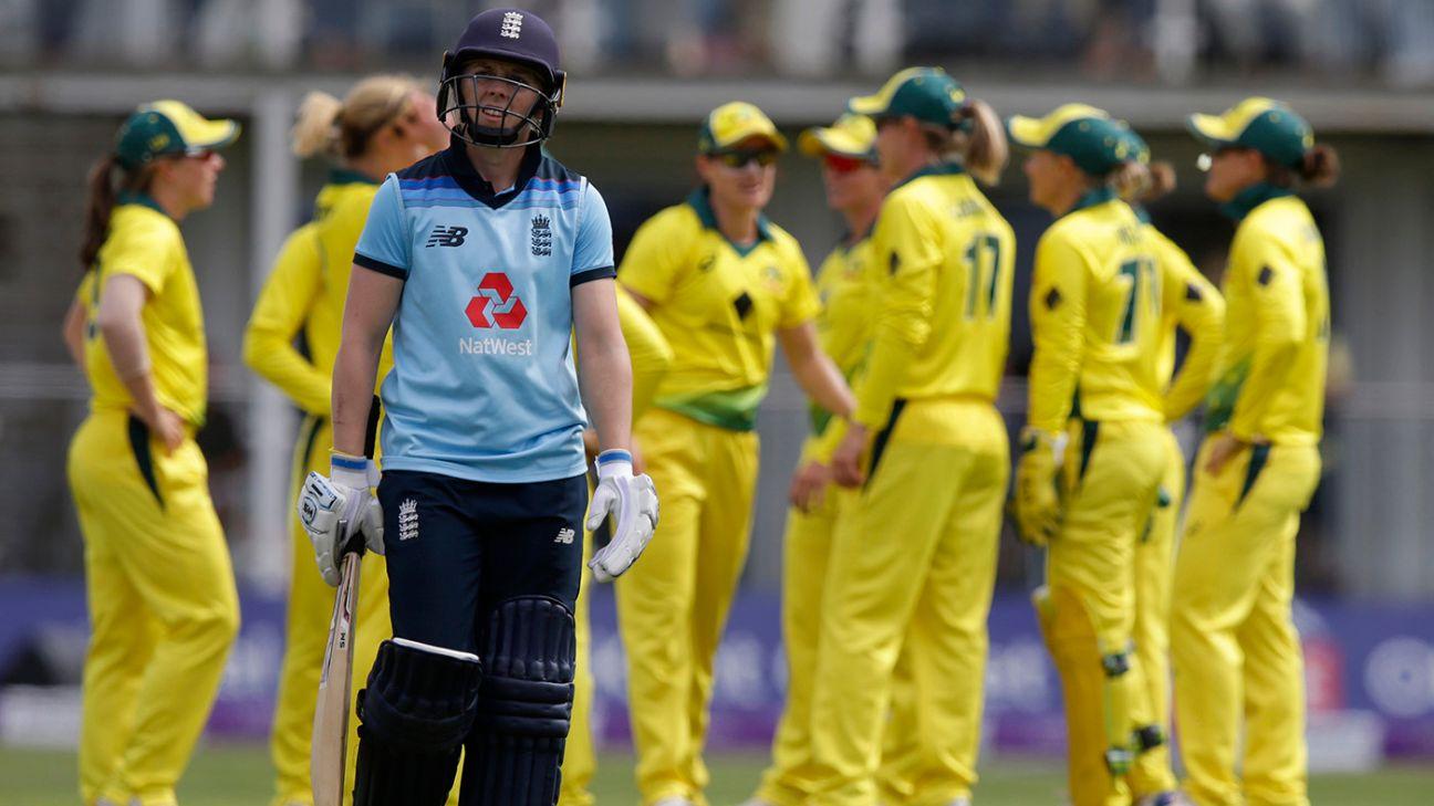 England had 'no answers' to Ellyse Perry burst, admits coach Mark Robinson
