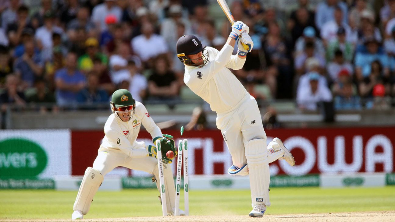 Alarms, but no surprises as England sleepwalk to a familiar defeat