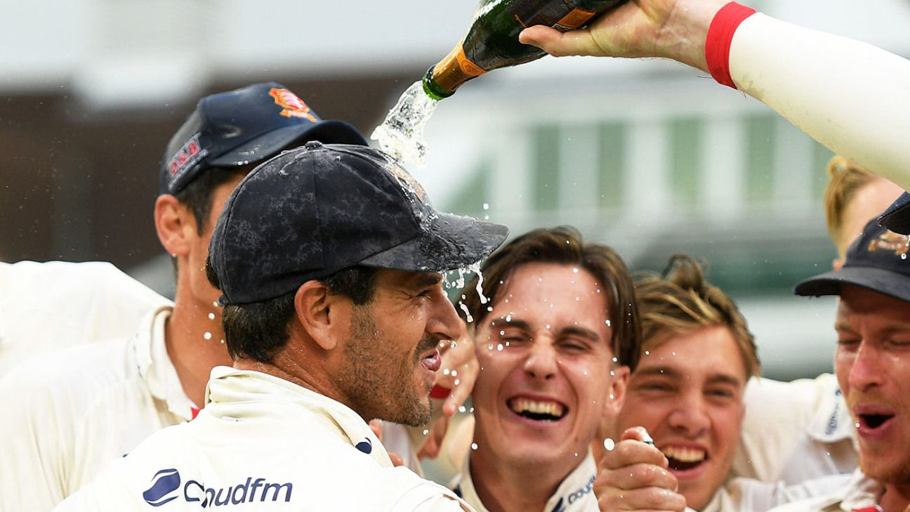 Ryan ten Doeschate signs one-year contract extension at Essex