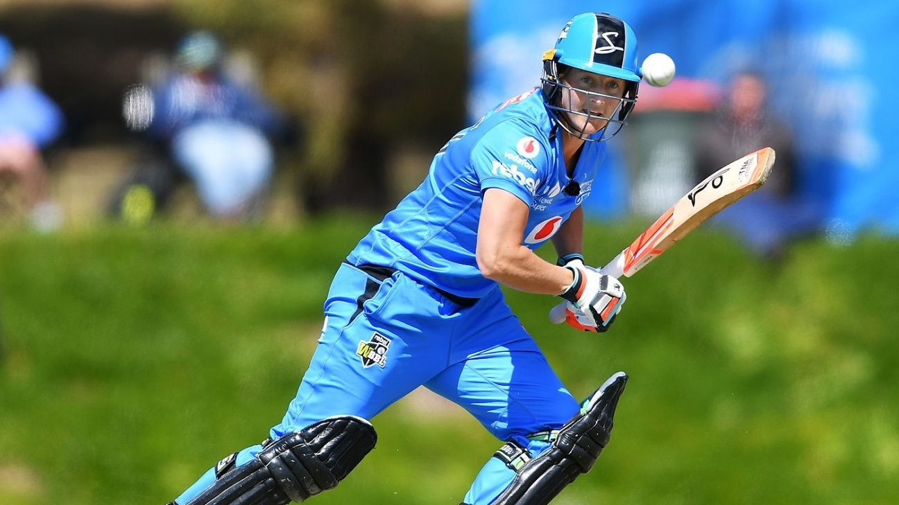 WBBL round-up: Devine hits five sixes in an over, Renegades beat Hurricanes again