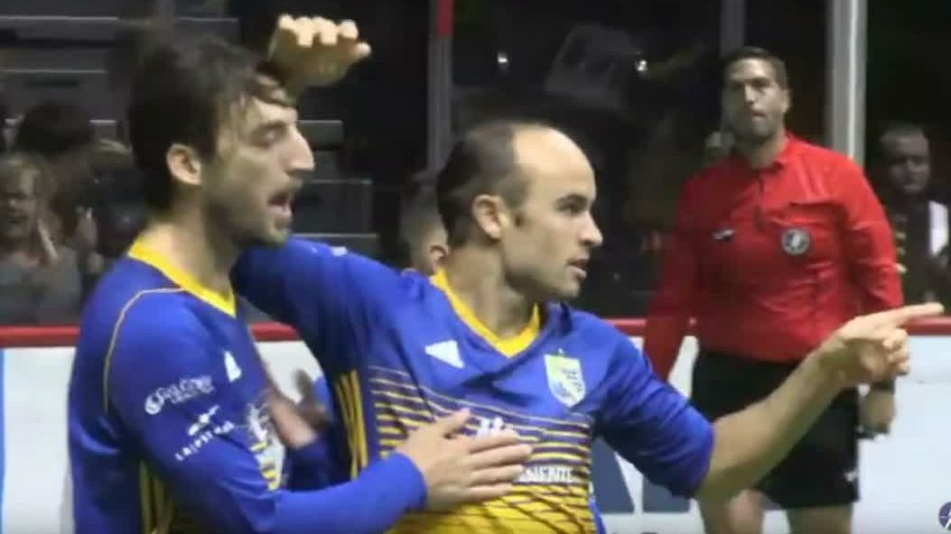 Landon Donovan scores first two goals with San Diego Sockers in indoor league