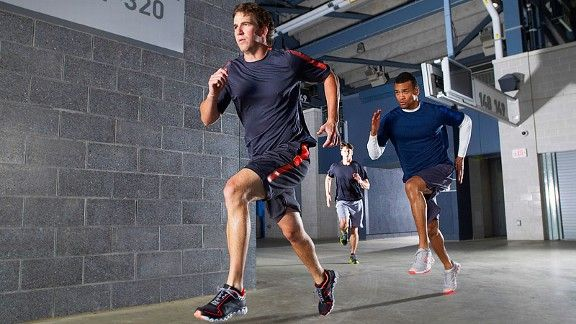 buy popular 107c9 0ba81 Eli Manning listens to this working out - Athletes- ESPN
