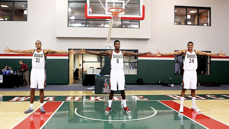 Scoop: Giannis Antetokounmpo brings joy to basketball