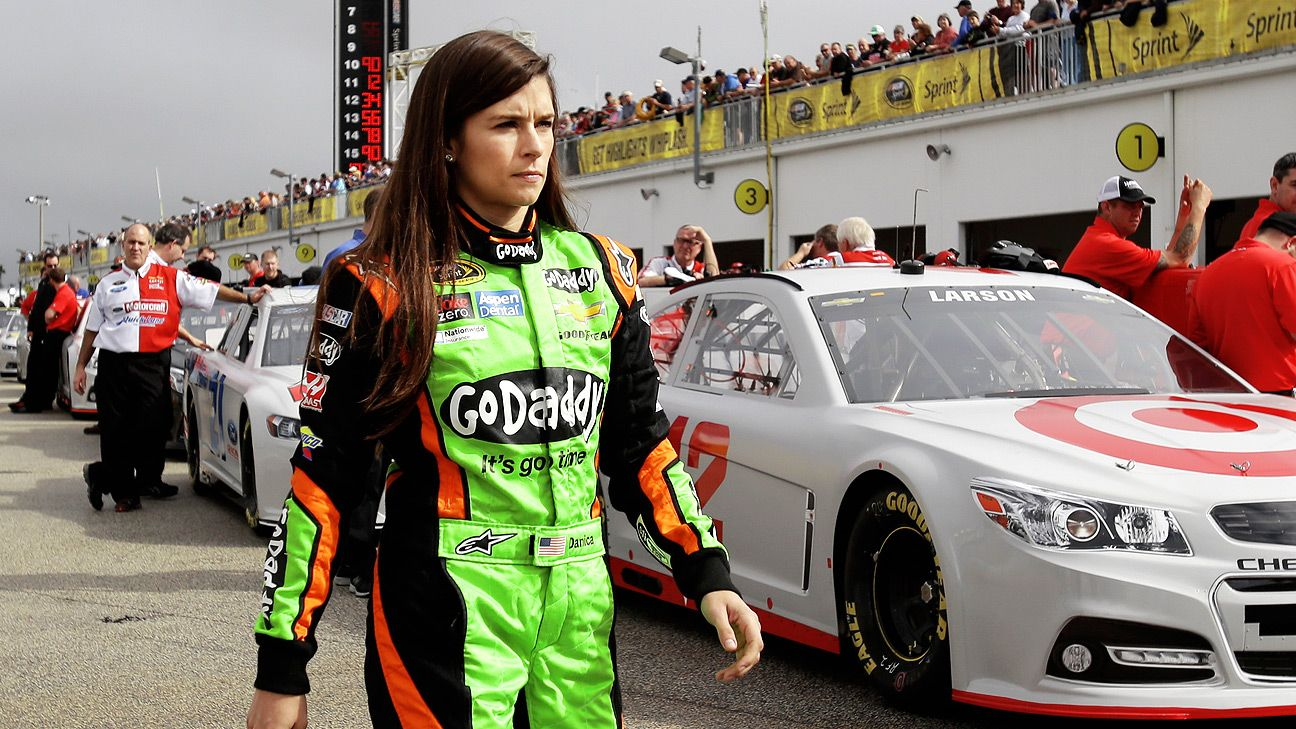 Nascar women, old farts fuck young tarts