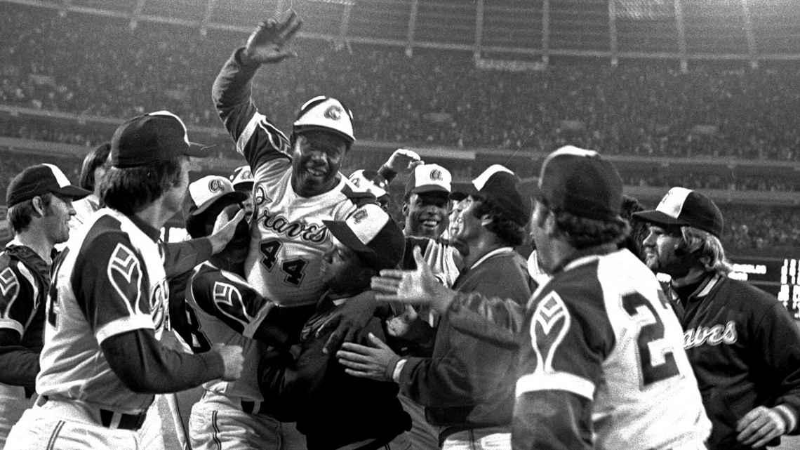 Hank Aaron dies at 86